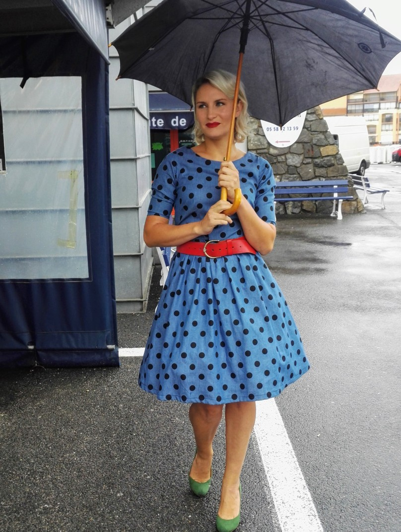50's style polka dot dress with red accessories